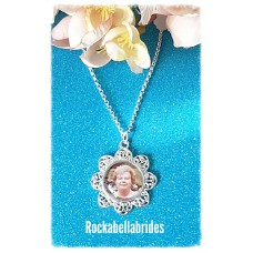 Flower framed picture pendant